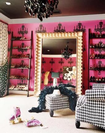 miley cyrus shoe closet