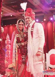 TWIN WEDDING