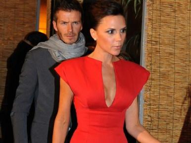 aries-fashion-red-colour-victoria-becham-fendi