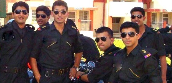 Indian-Army-Officers-In-Aviators-2