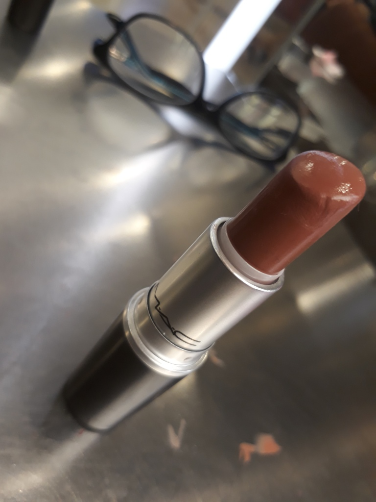MAC lipstick online store price sale mehr shade for dusky skin fair skin wheatish skin blue eyes blonde hairs review all fired up blog del rio India palette swatches  MAC Ruby woo