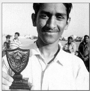 Mahendra Singh Dhoni early life pictures
