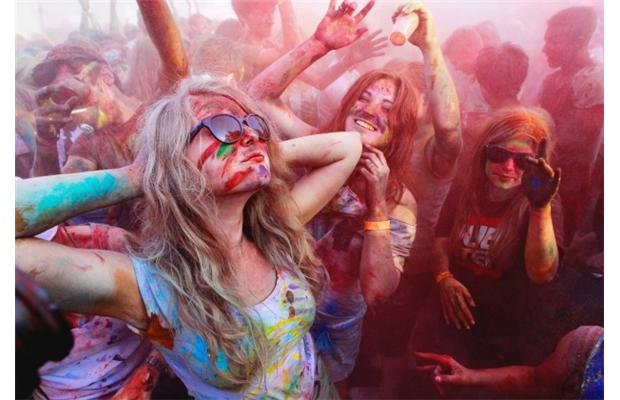 holi pictures around the world