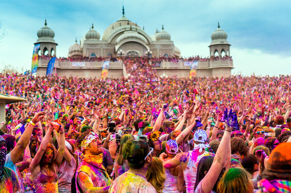 the most beautiful holi pictures around the globe