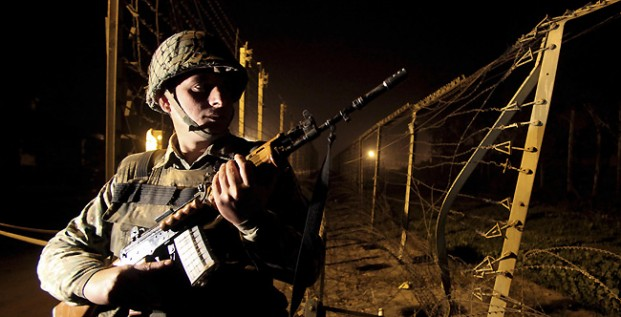 Indian-Army-at-Border-in-Night