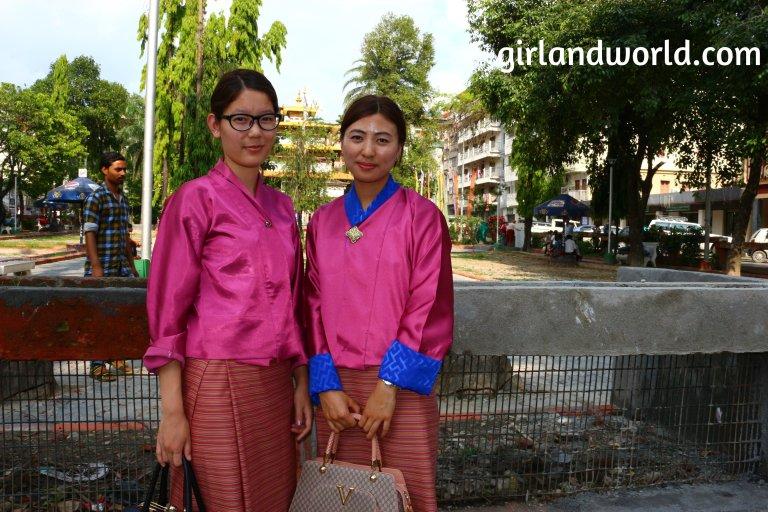 Bhutan Phuentsholing things to do sight seeing hotel food bakery border city of bhutan how to go monastery buddha zangto