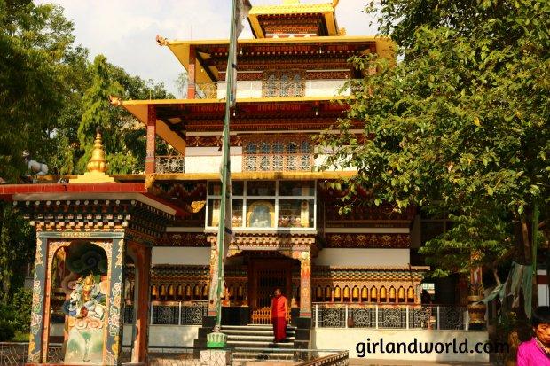 Bhutan Phuentsholing  things to do sight seeing hotel food bakery border city of bhutan how to go  monastery buddha zangto kharbandi monastery