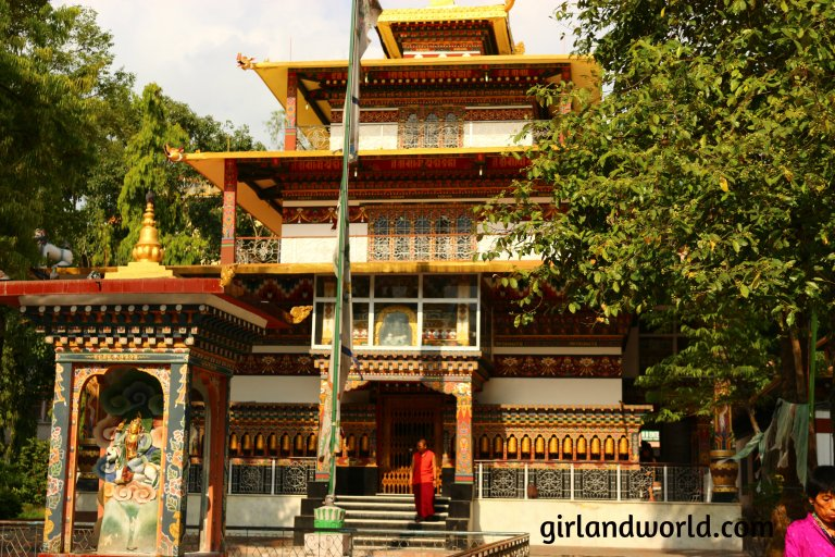 Bhutan Phuentsholing  things to do sight seeing hotel food bakery border city of bhutan how to go  monastery buddha zangto kharbandi monastery