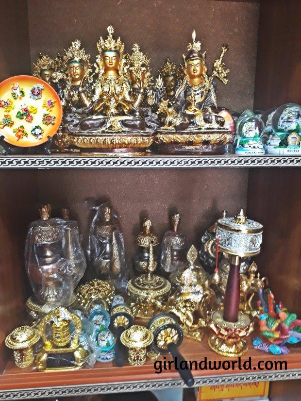 Bhutan Phuentsholing  things to do sight seeing hotel food bakery border city of bhutan how to go  monastery buddha zangto kharbandi