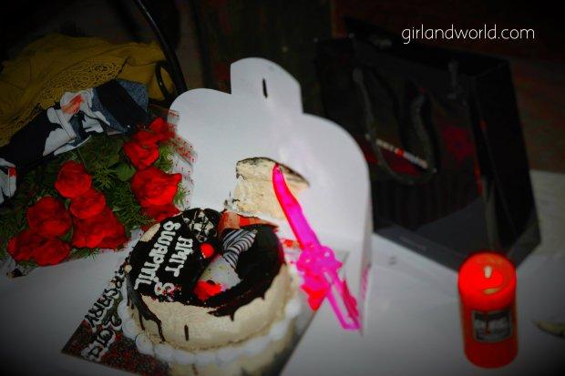 wedding anniversary ideas, cake, swapnil pandey husband