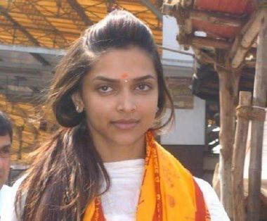 deepikas-temple-visit-deepika-padukone-without-make-up