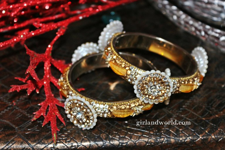 party diy fancy Indian metal designer bangles online beautiful bangles jabalpur madhya pradesh glass bangle silk bangle churi bracelet wedding festive season festival shopping in madhya pradesh jabalpur wholesale low price chudi