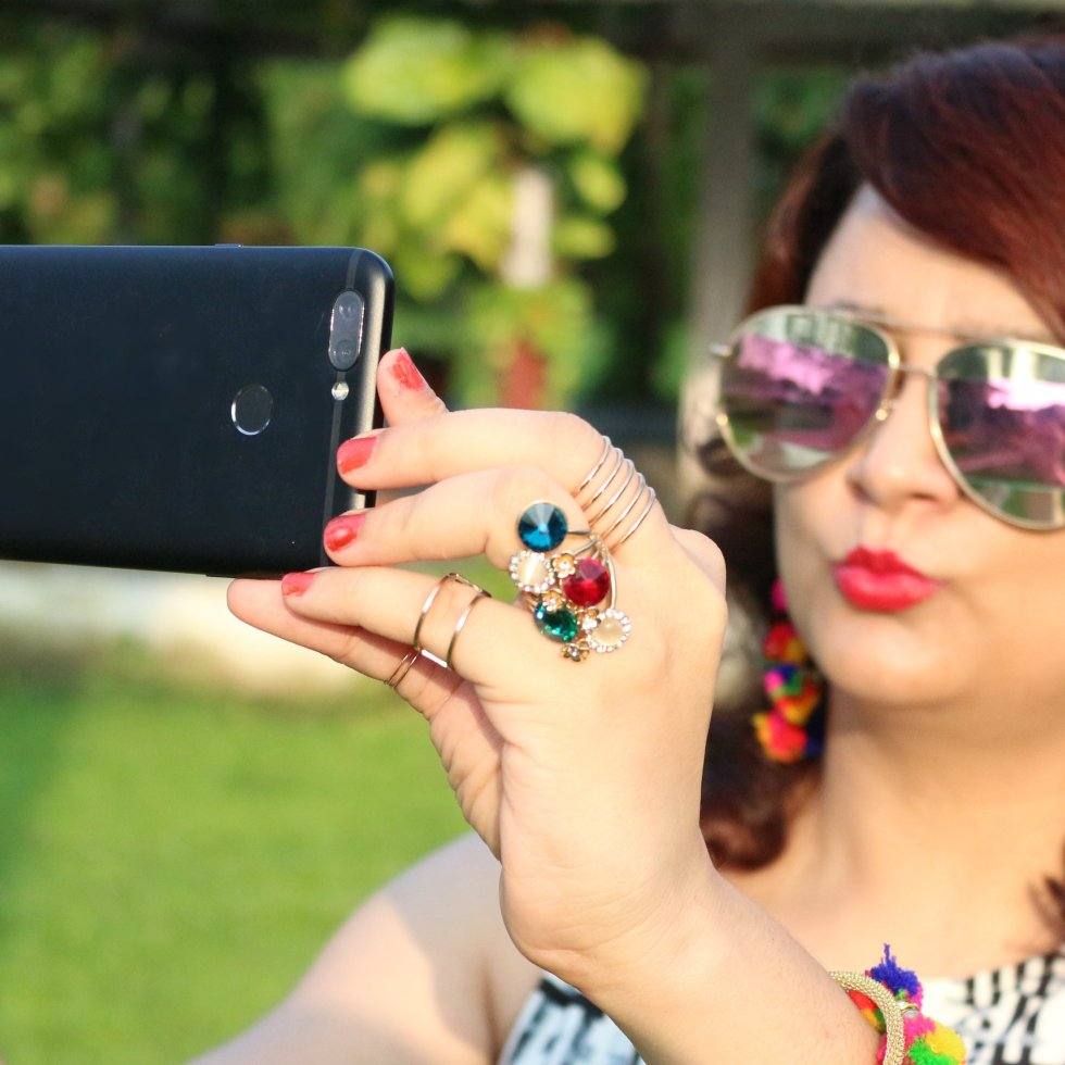 Smart Phone Mobile Phone CaptureItAll InFocus Snap 4 Mobile Phone in India Newly launched phone best phone in India Budget phone selfie phones best camera phone Snap 4 review quad camera set up camera phone in budget