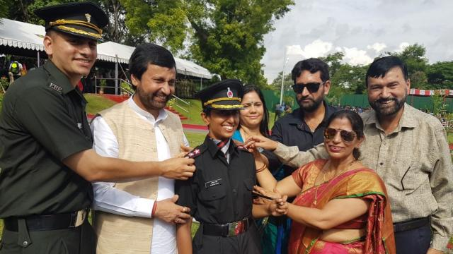 swati mahadik namita pant nidhi dubey lady officers veer nari extraordinary woman courage widow of army officer minister politician child to join army indian army extraordinary stories OTA Chennai passing out parade 2017 colonel mahadik indian army women officer female cadet brave woman feminism warrior woman