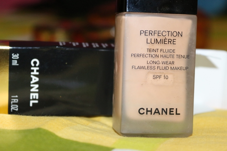 Chanel Foundation, Perfection Lumiere, Vitalumiere, Flawless fluid makeup Dry skin oily skin best Foundation India