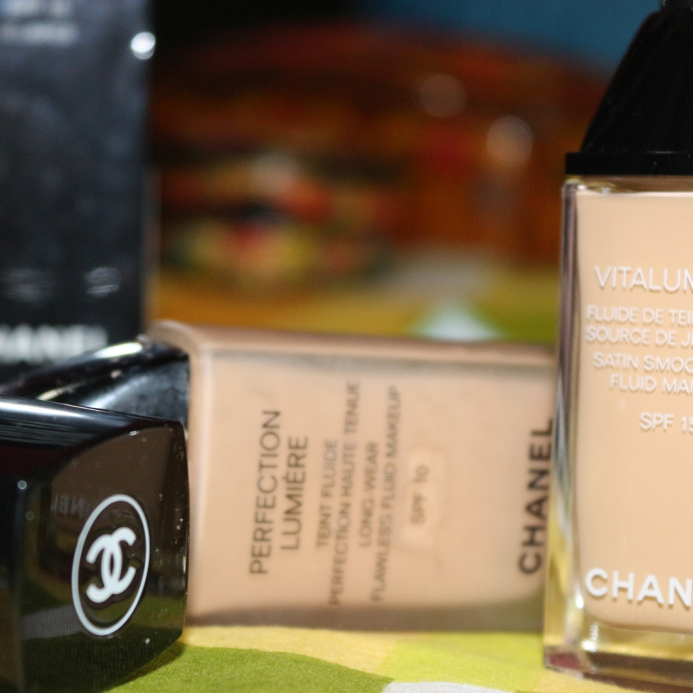 best foundation in India asian skin oily skin dry skin foundation Chanel vitalumiere Chanel Perfection Lumiere how to choose foundation peach tone pink tone tips to buy foundtion review