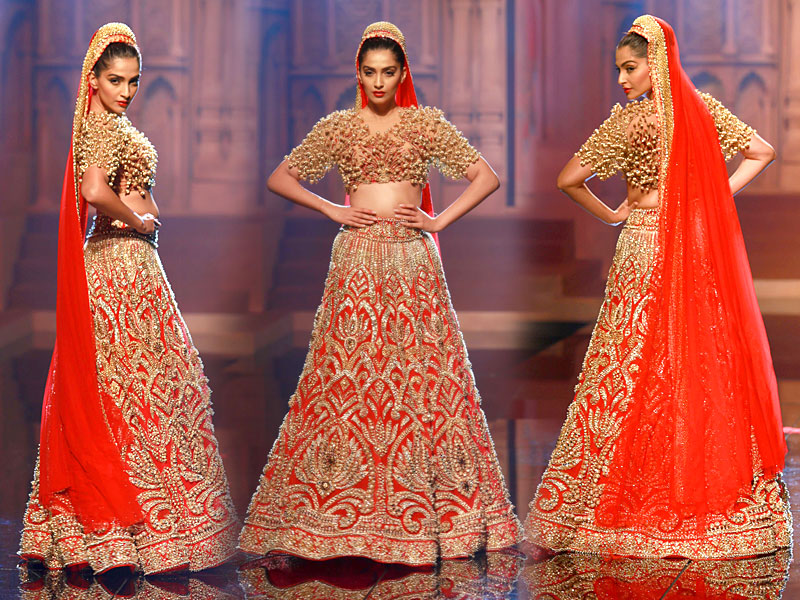 5 Bridal Lehenga Inspirations For 2018 From The House Of Indian