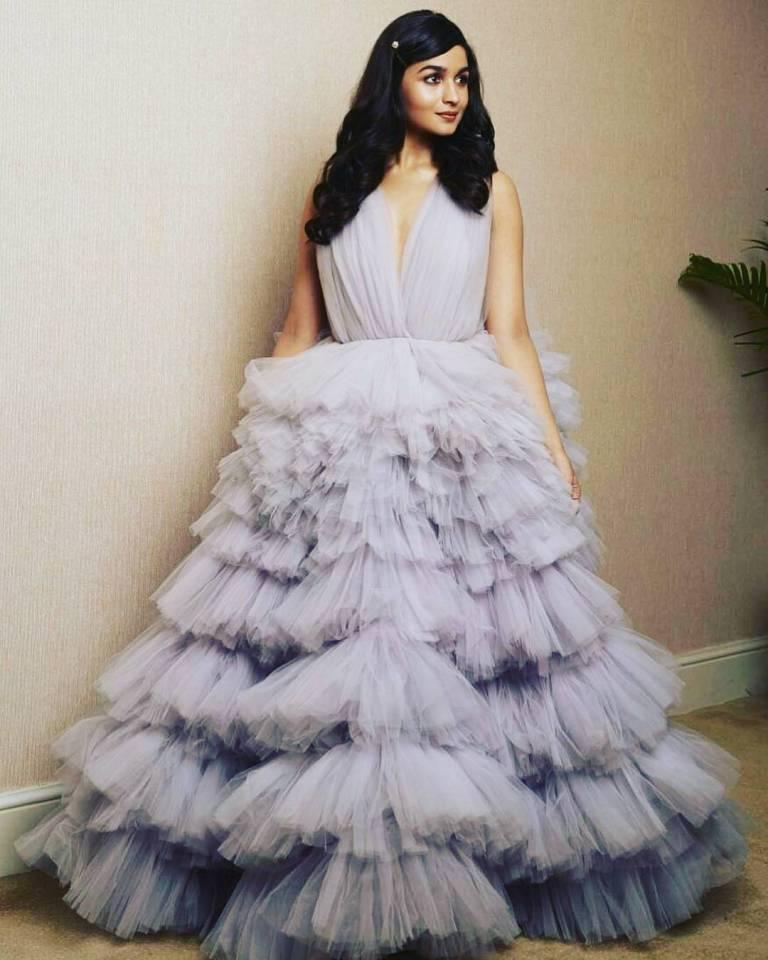 Bollywood award night,star studded, Jio filmfare night 2018 Aalia Bhatt red carpet gown dresses stylish actors heroines