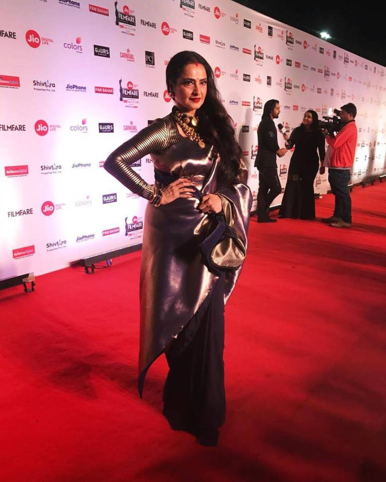 Jio Filmfare Awards 2018 Bollywood night star hero heroine stylish dresses gowns looks beautiful gowns of bollywood heroine