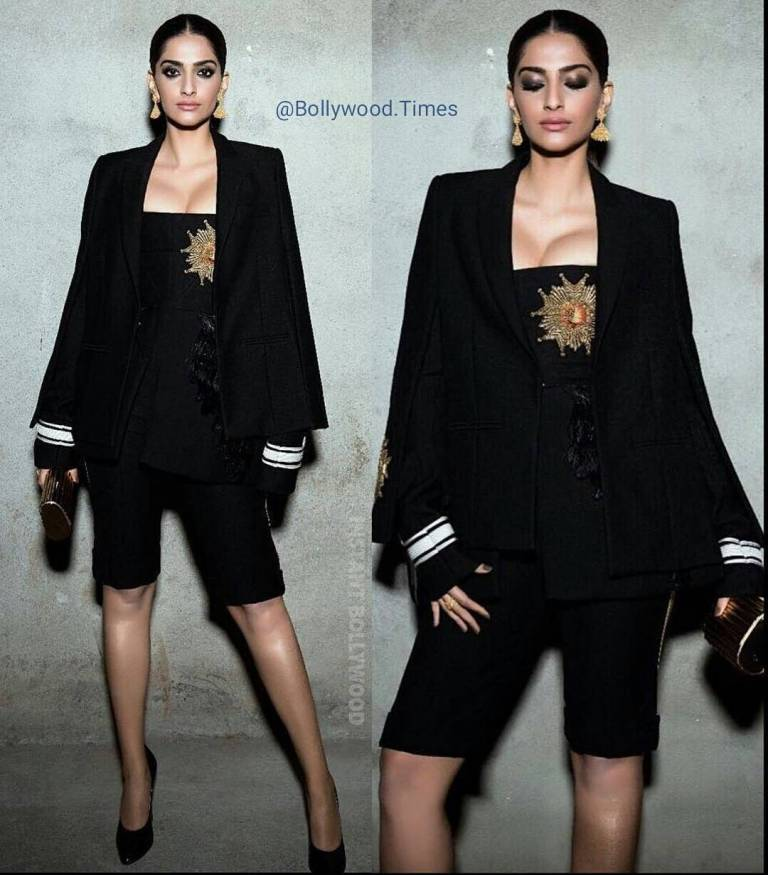 The suit has images of posters of films such as Ajooba, Deewar, Ram Lakhan, Baazigar, Ghayal, Aankhen, Vastav and many more. Sonam kapoor