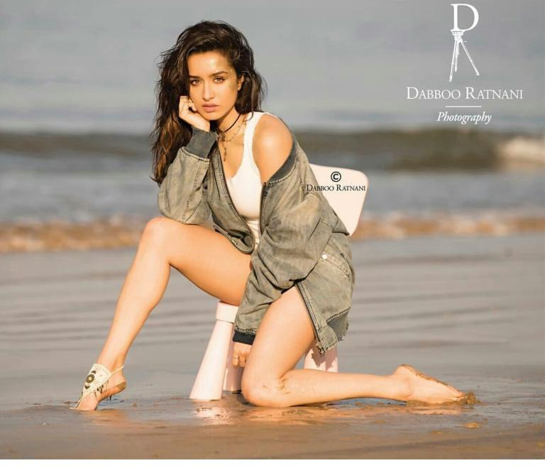 Dabboo ratnani calendar 2018 star studded Bollywood celebrities, Bollywood star, Deepika Padukone, Amitabh Bachchan, Alia Bhatt Siddhart Malhotra High HD pictures hot pictures of bollywood heroine , photoshoot