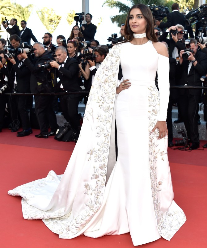Sonam Kapoor fashion style dress gown cannes red carpet looks
