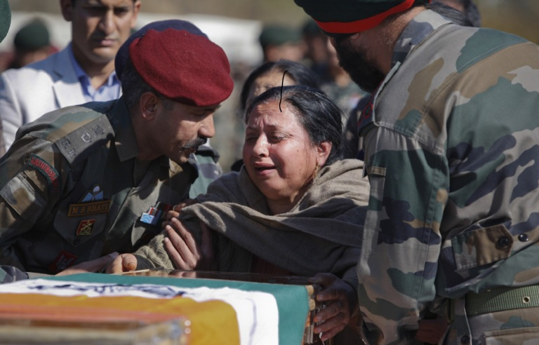 indian Army Army Officer Martyr Shaheed Major Encounter Army wife country balidan sacrifice died Army life pain of Army wife separation widow tribute to martyrs jawan soldier officer homage