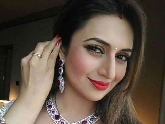 TV actress beautiful most expensive Tv actress, hot pictures of Tv actress, divyanka tripathi, jennifer winget, sakhshi tanwar, hina khan controversy ,price per episode, most beautiful TV actress, saas bah serials, daily soaps, Television