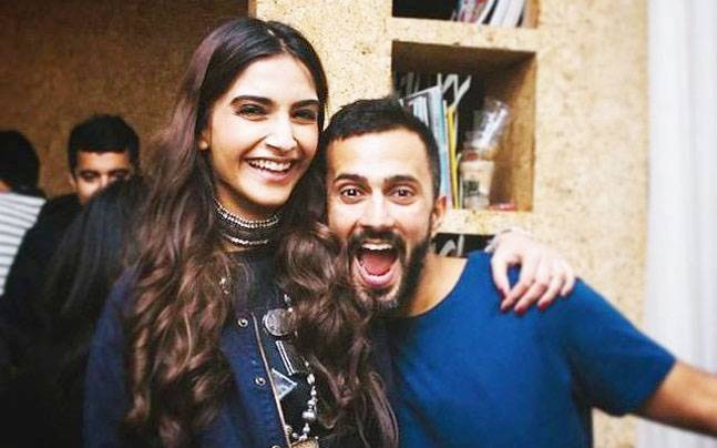 sonam kapoor, anand ahuja, wedding date venue party anil kapoor wedding outfit Switzerland Geneva couple Bollywood style icon diva