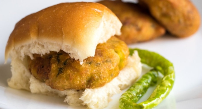 vada pav street food, chowmein recipe famous food India local desi most common food favorite food Indian cuisines culinary cutlery housefull khana dhamaka