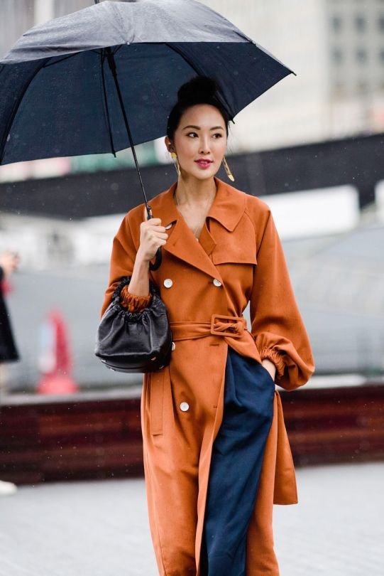 what to wear on a rainy day, cute rainy day outfits, monsoon mood rainy day outfit, rainy season monsoon dress clothes monsoon fashion trends 2018 monsoon fashion guide weather appropriate clothes spring autumn monsson fashion hacks umbrella floral print trench coat rain boots transparent clothes PVC coated accessories rainy day outfit, rainy season monsoon dress clothes monsoon fashion trends 2018 monsoon fashion guide weather appropriate clothes spring autumn monsson fashion hacks umbrella floral print trench coat rain boots transparent clothes PVC coated accessories