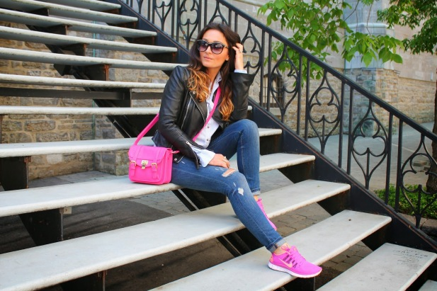 how to wear pink sneakers