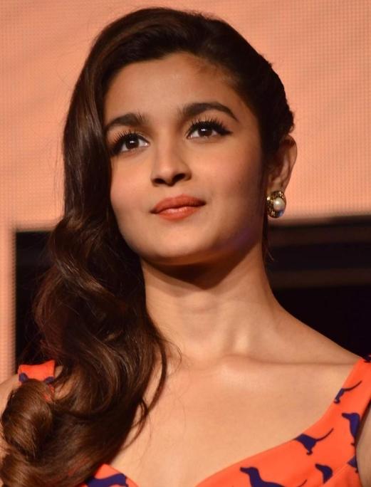 inspiring stories of girls Indian women achiever under 30 in 20 year old star alia bhatt P V Sindhu Masaba Gupta Shreya SInghal Rega Jha 5 Indian women acheievers star made India proud age is number achievments powerful women inspiring women girl power feminism feminist who are greteast women achievers