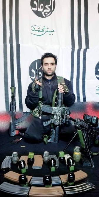 aatanki hamla encounter images pictures news emotion mother sister son father kids children terrorist jawan army jawan pulwama attack,pulwama attack adil ahmed naser ahmed kashmir martyr family parents crpf terrorism JeM suicide bomber