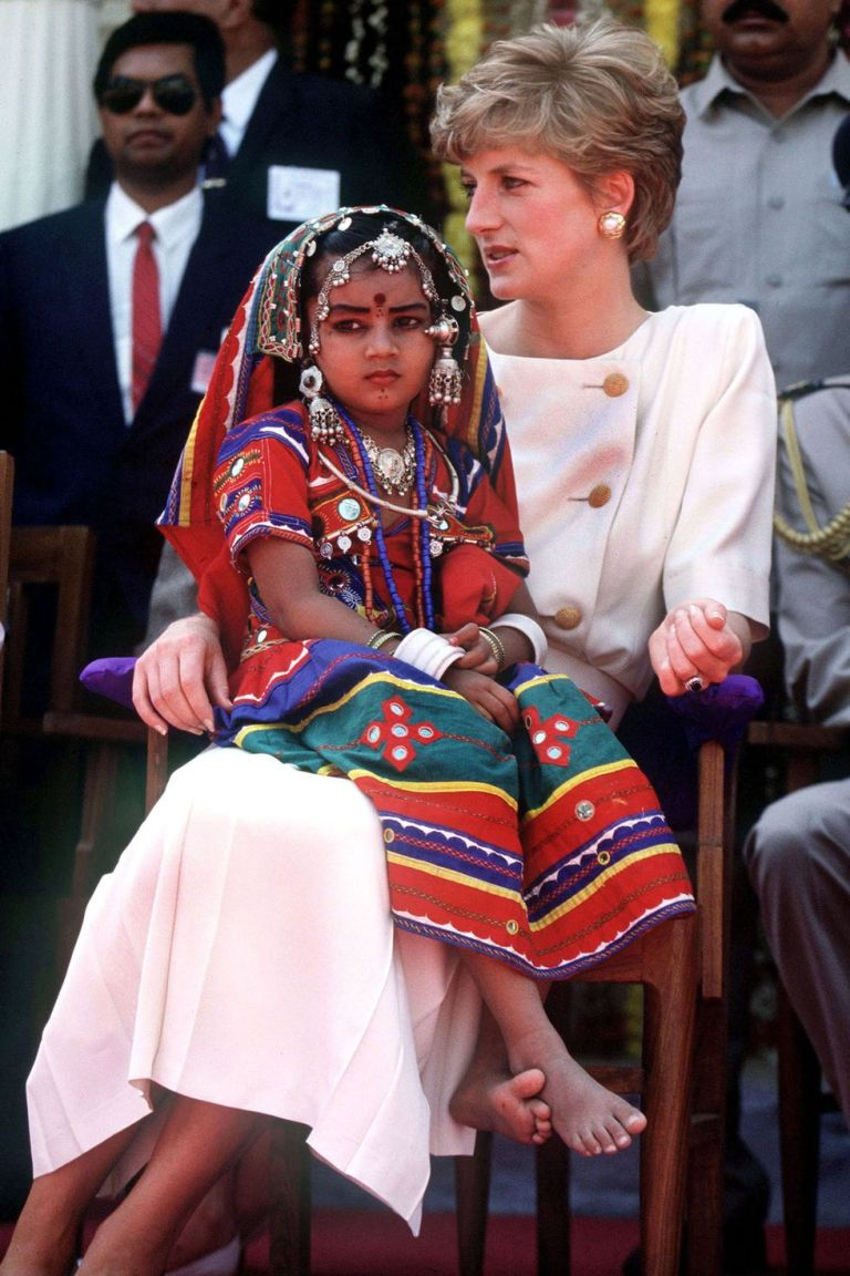 hbz-princess-diana-1992-gettyimages-73389995-1534524945