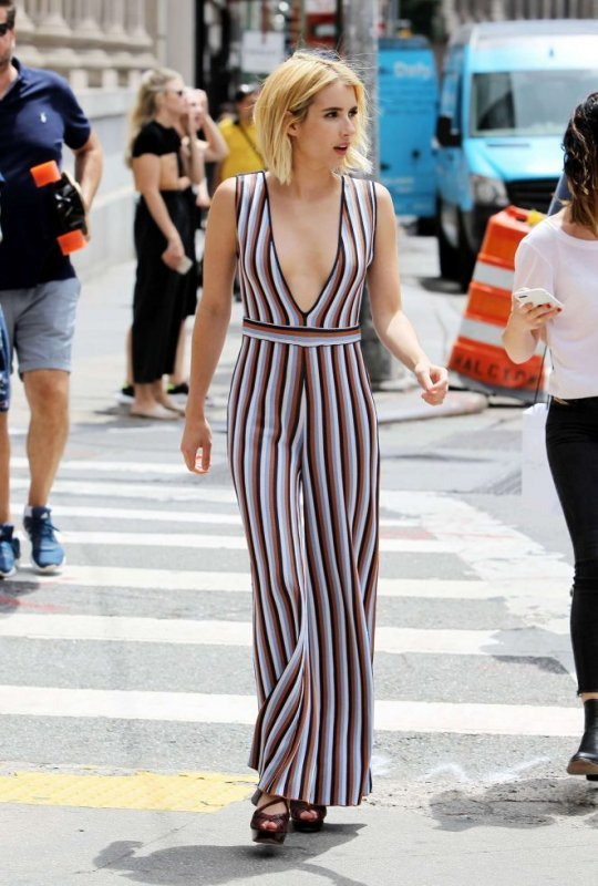 prettyme style tips petite women girls woman shopping online clothes short girl styling tips fashion for short women guide advise what suits how to wear best fashion latest fashion for short girls petite fashion vertical stripes