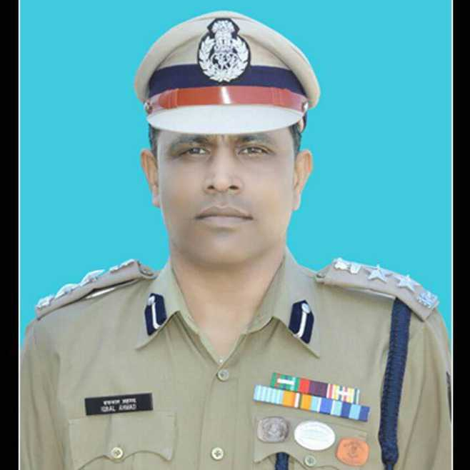 2commadant iqbal ahmed 45th CRPF battalion dg disc chetan cheeta terrorist attack hajin kashmir sunbal