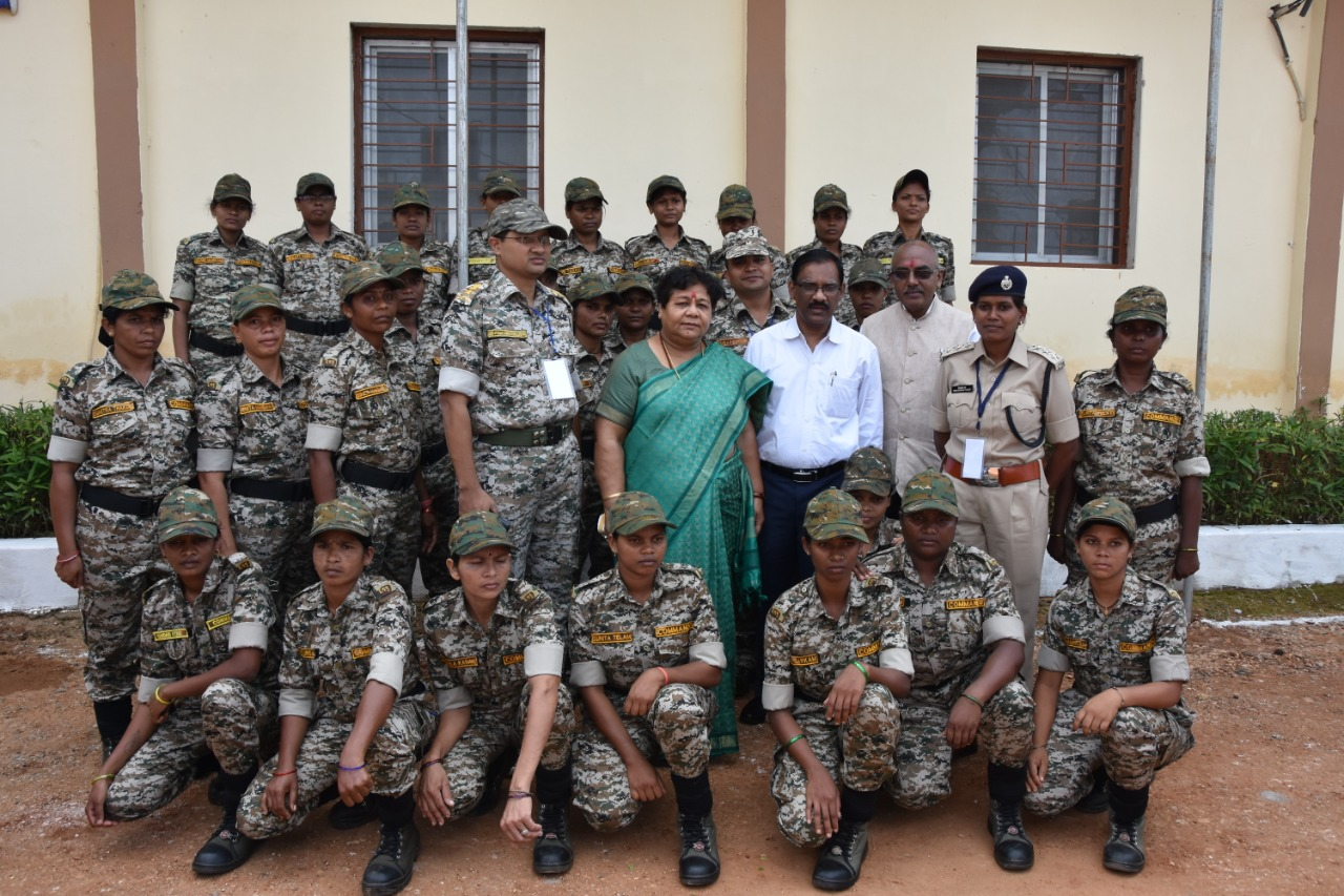 sunaina patel, DRG Chattishgarh, Danteshwari fighters commando naxal naxalite woman empowerment safoora zargar pregnant commando woman fighter India police constable ANI SP abhishek pallav