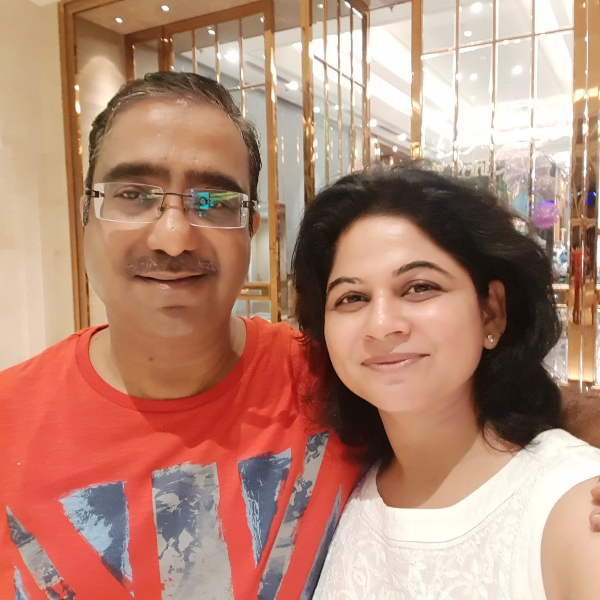 indian couple Indian doctor dr priyanka jha IIT BIhta Dr Anil Kumar jha Corporate hospital patna bihar covid doctors at frontline corona pandemic patient covid warriors family covid stigmas neuro physician fight Covid