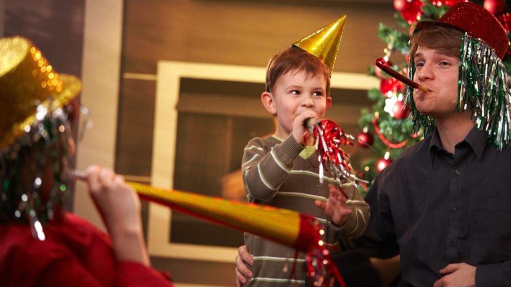 COVID 19 NEw year party ideas celebrations eve kids friendly virtual lets party how to happy fam