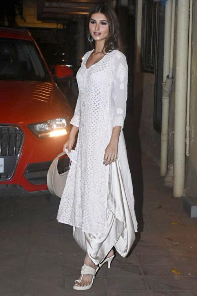 bollywood heroine actress fashion ethnic wear indian wear sustainable fashion Indian artisans look how to dress how to pair tara sutaria chikankari