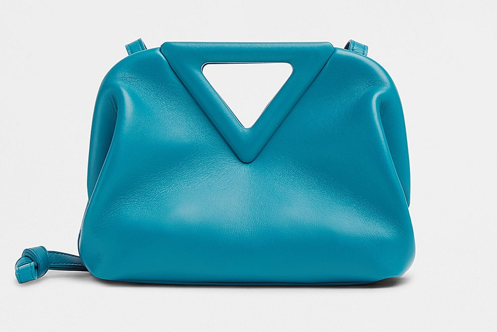 handbag clutch purse duffle bag 2021 stylist guide review what to buy feather bag tote bag india